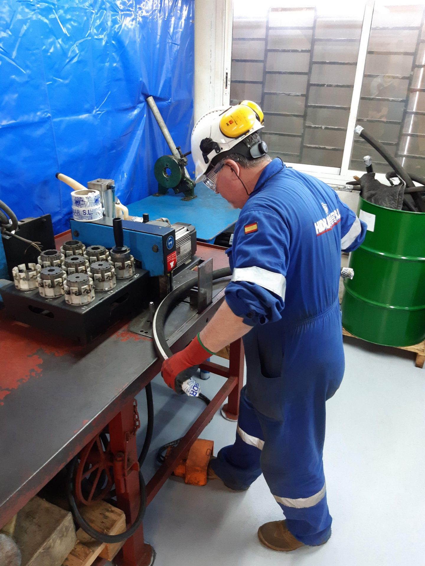 HYDRAULIC HOSE FABRICATION