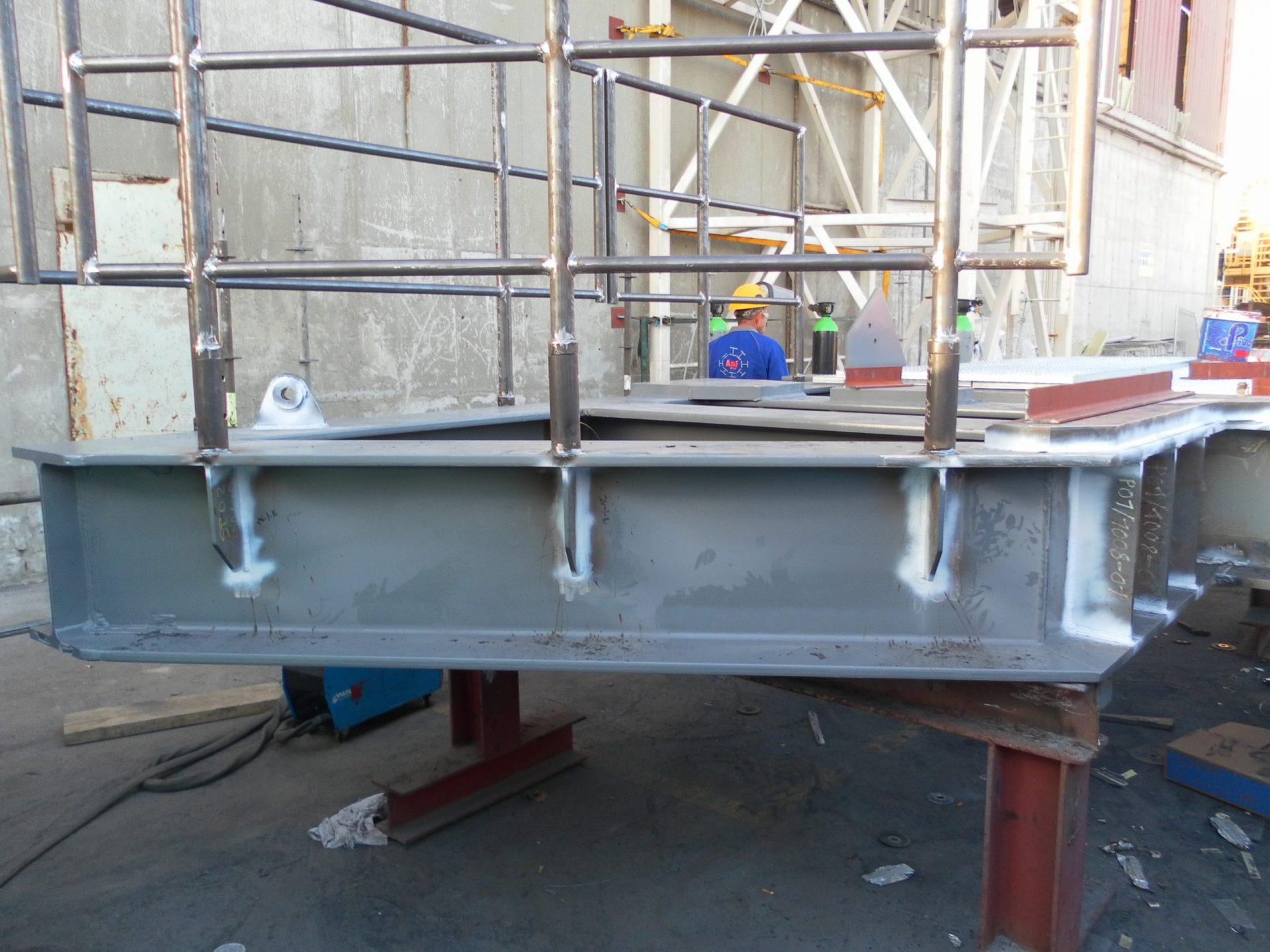 Hangoff Platform Handrails 1 scaled