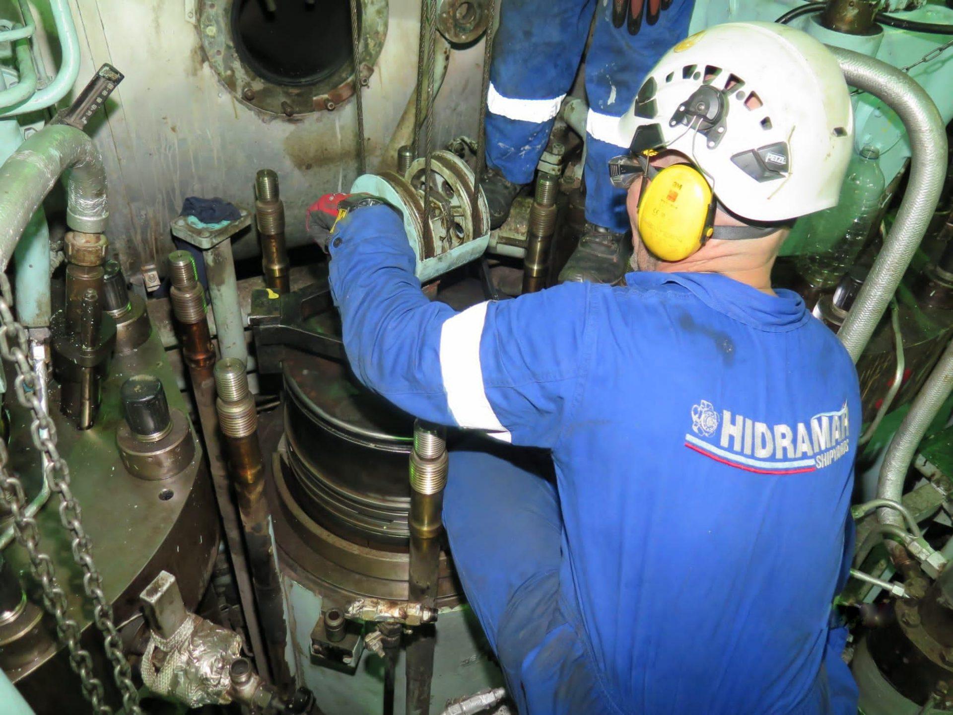 Icarius Main engine hoverhauling service
