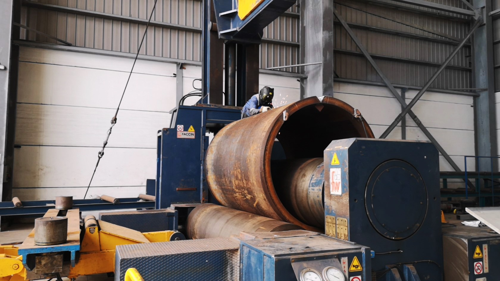 Rolling offshore piles fabrication