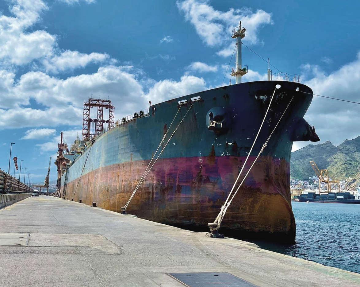 hidramar-group-ploutus-berthing-line-tenerife-shipyards