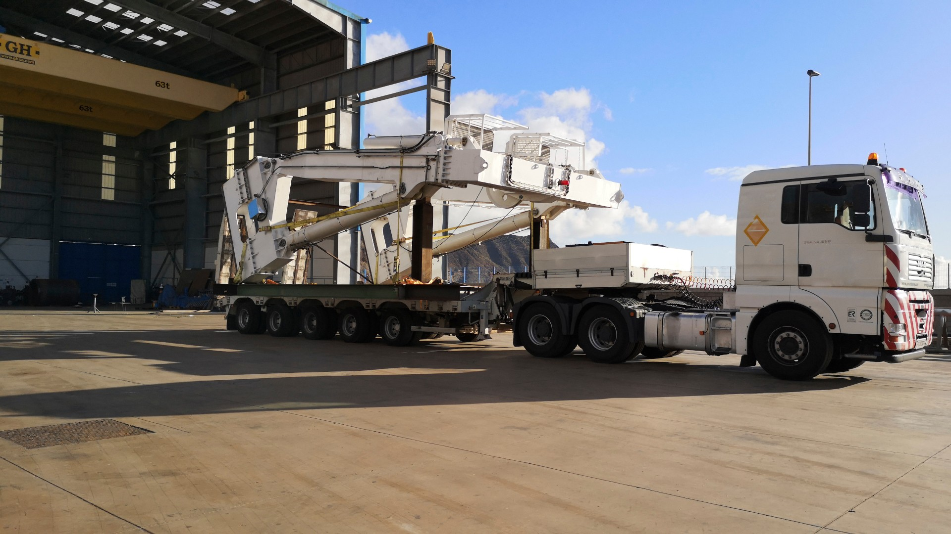 A- frame mobilization Tenerife Shipyards